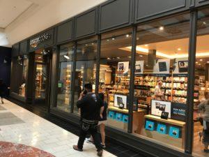 """Amazon Bookstore 1 300x225 - Wie denkt ein Online Store im Retail Geschäft? oder """"Digitalkaufmann Reisebericht"""""""