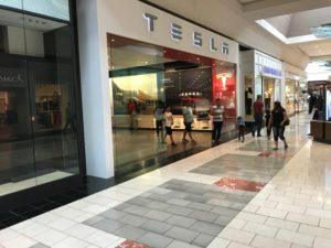 """Tesla 2 300x225 - Wie denkt ein Online Store im Retail Geschäft? oder """"Digitalkaufmann Reisebericht"""""""